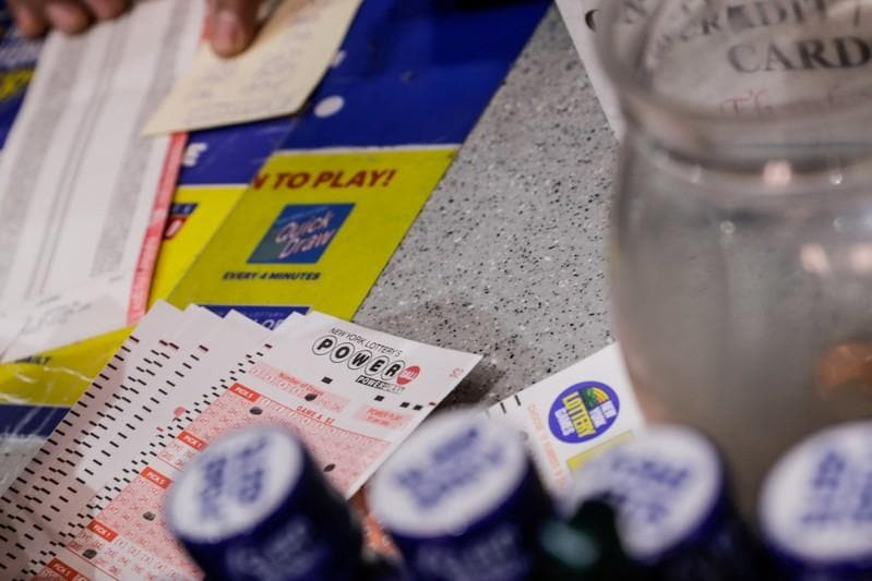 U.S. Powerball jackpot soars to 5 million ahead of Saturdays drawing