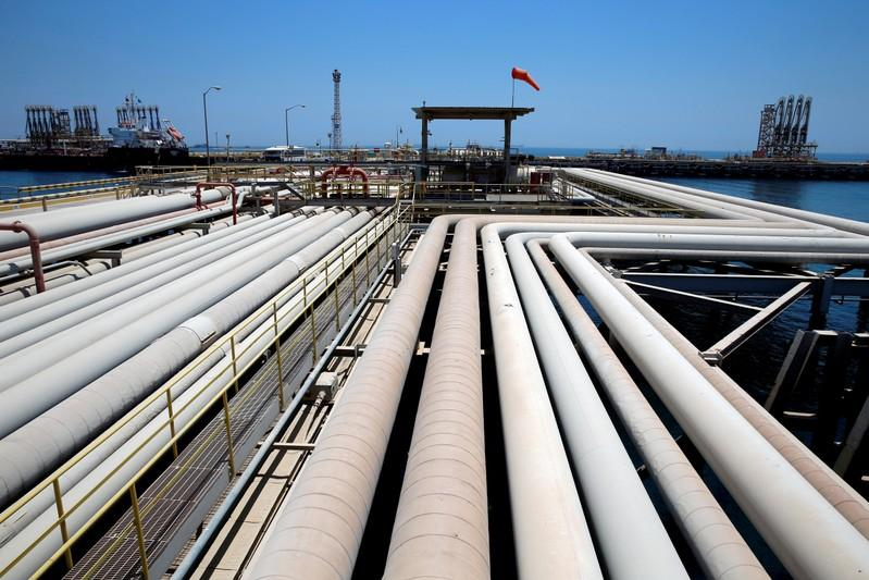 Oil prices little changed as economic slowdown fears tempered