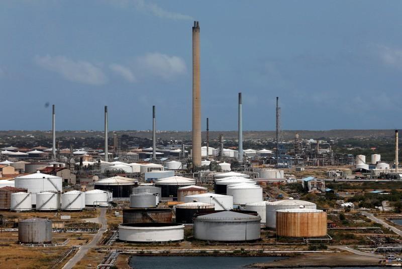 Exclusive: Venezuela oil exports stable in March despite sanctions, blackouts - data