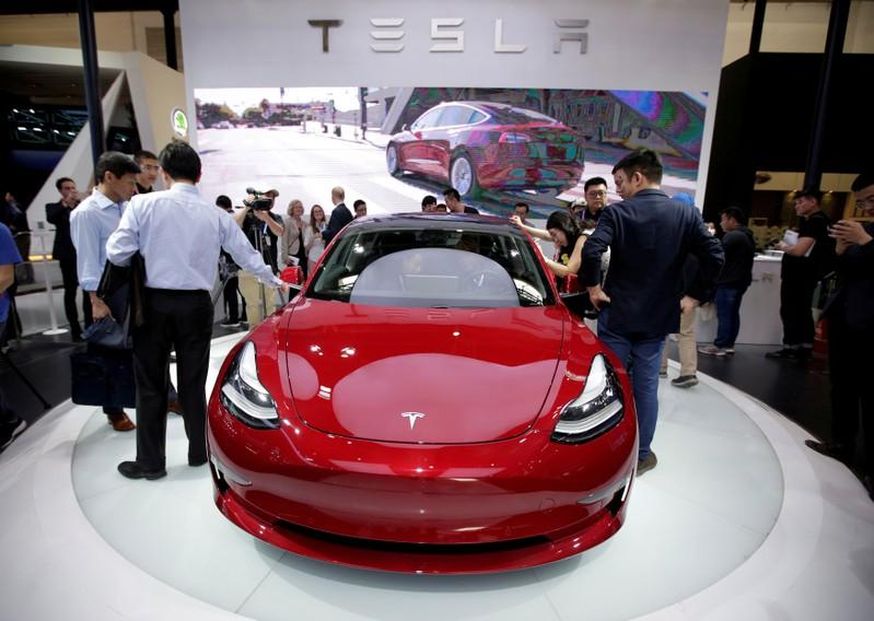 Tesla delivers fewer than expected Model 3 sedans in first quarter