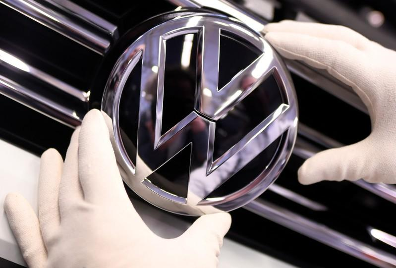 Top German carmakers charged with blocking clean emissions technology
