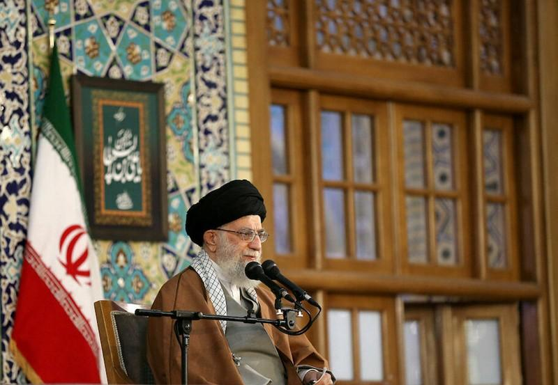 Irans Khamenei urges Iraq to force out U.S. troops as soon as possible