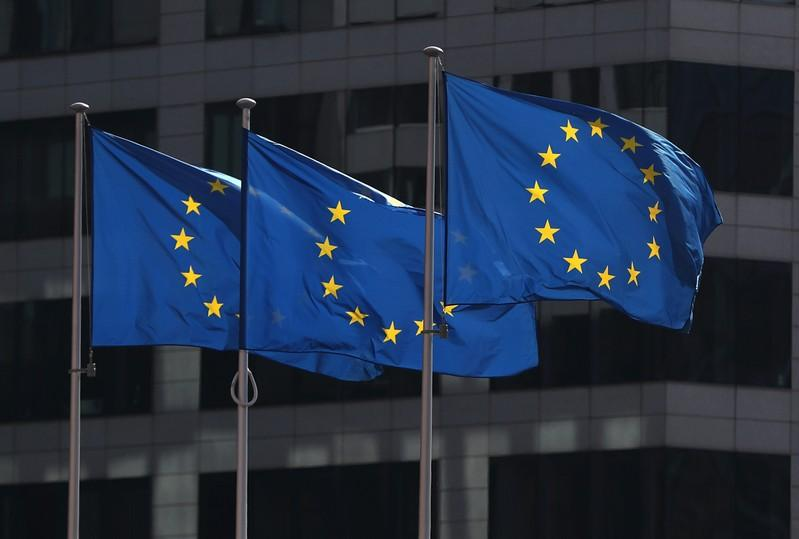 EU clears way for start of formal trade talks with U.S