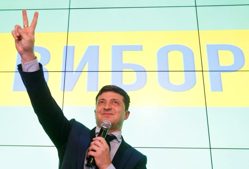 Ukraine tycoon says odious central bankers could go if Zelenskiy wins election