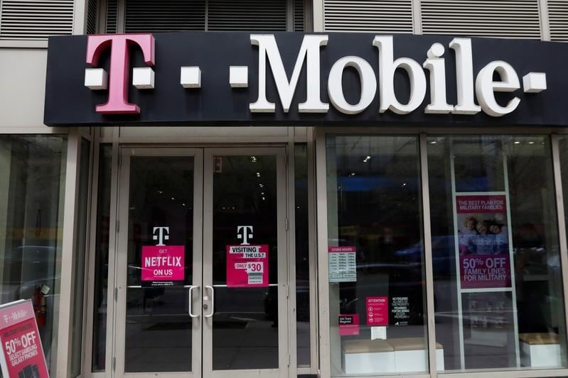 T-Mobile, Sprint lobby regulators to win U.S. approval for tie-up- Technology News, Firstpost