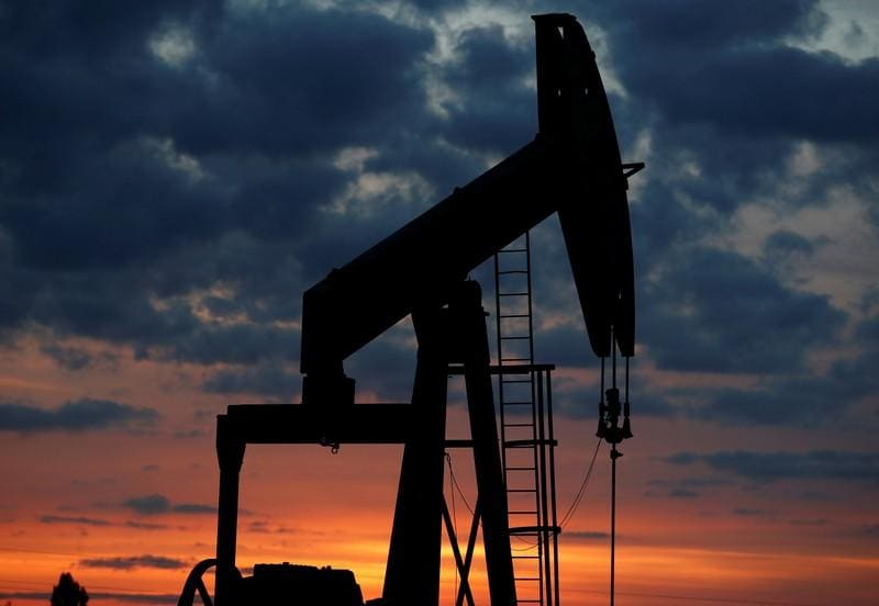 Oil breaks US$70 as market awaits U.S. call on Iran
