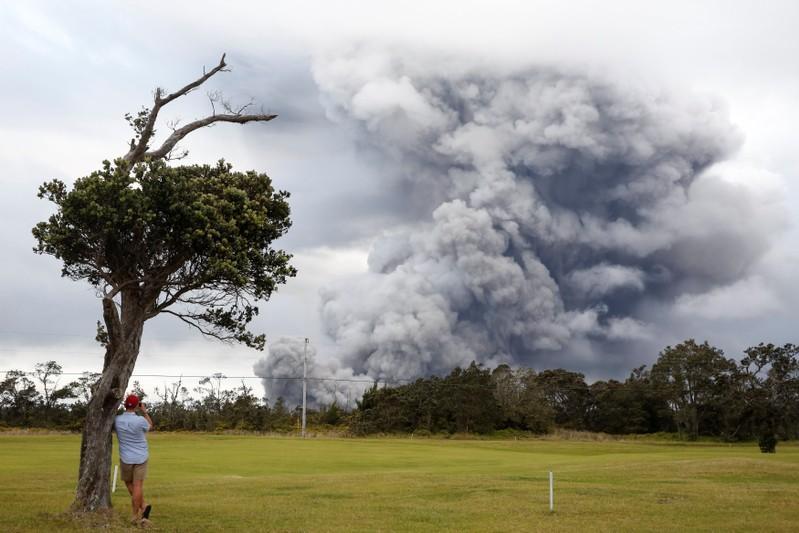 'Ballistic blocks' shot from Hawaii volcano could mark onset of explosive eruptions