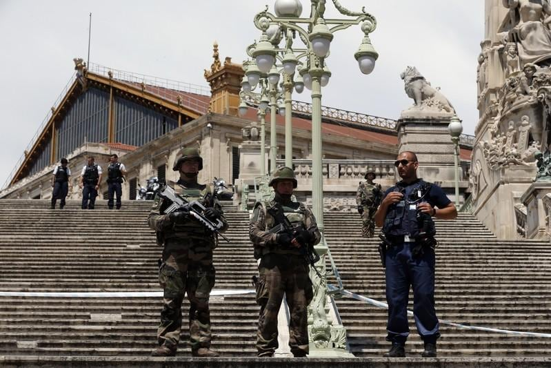 Marseilles station briefly evacuated, man arrested