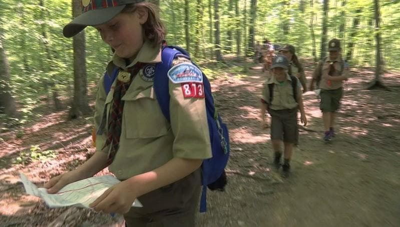 Corrected: Girl dens blaze fresh trail into Boy Scouts of America