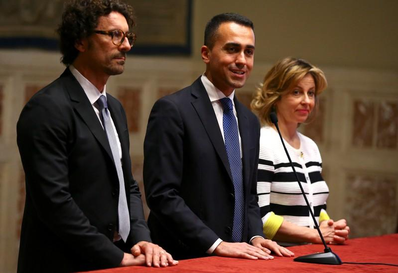 Italys 5-Star urges Savona to withdraw candidacy as economy minister