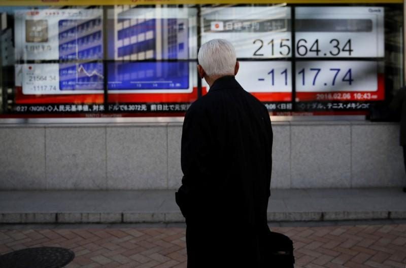 Asia stocks bounce, euro pulls off lows as Italy anxiety ebbs
