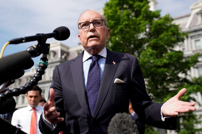 White House adviser Kudlow says he does not favor higher federal gas tax