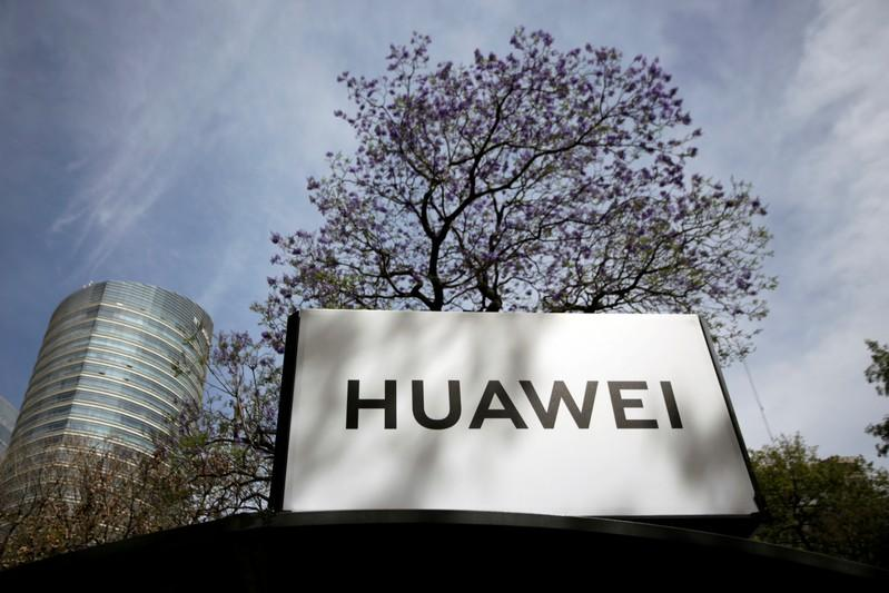 Huawei willing to sign no-spy pacts with governments -chairman