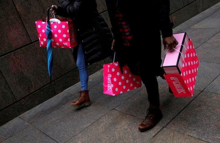 U.S. retailers, restaurants say tax law 'drafting error' delays investments