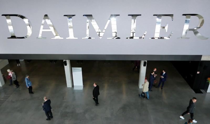 Daimler sets up R&D centre for autonomous trucks in U.S.