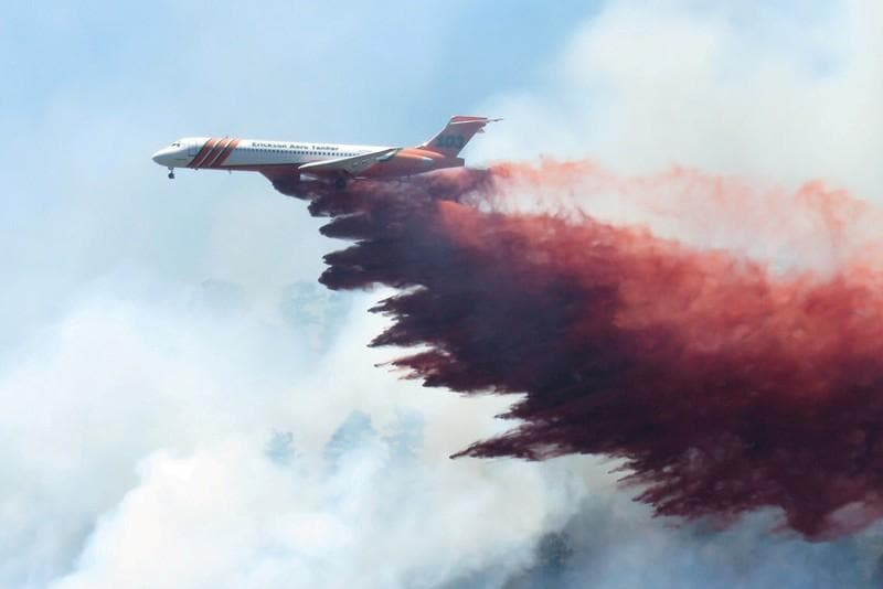 Driving winds fan Colorado wildfire, 2,000 homes evacuated