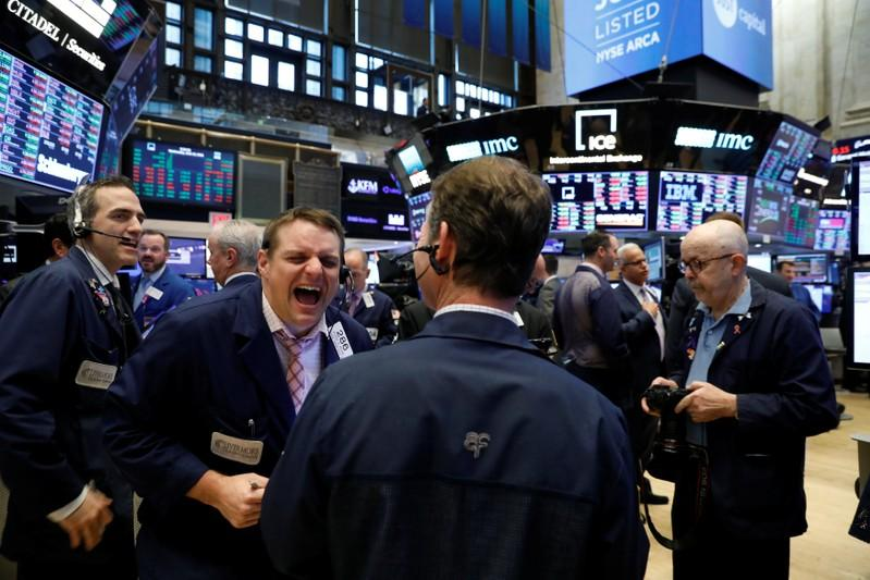 Wall Street Weekahead: International fund managers turn to financials, tech as trade worries rise