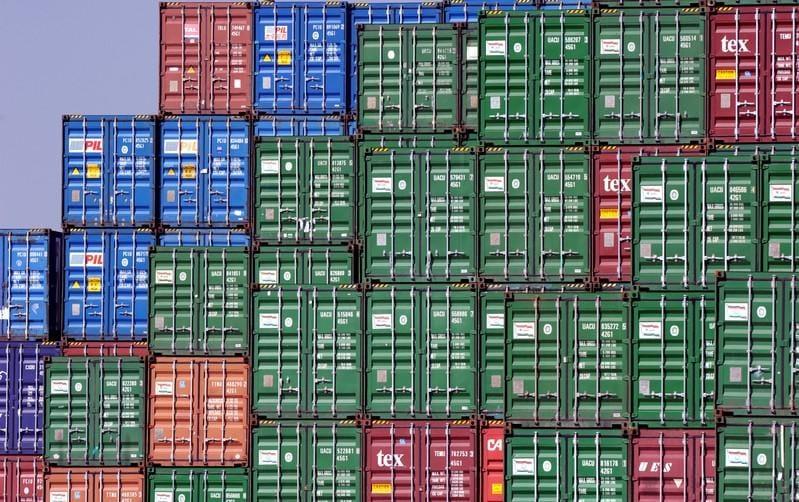 U.S. steel stocks fall as trade war intensifies