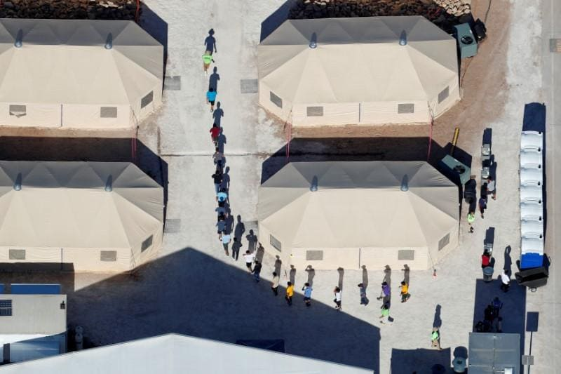 Despite Trump order, border child separations could go on - legal experts