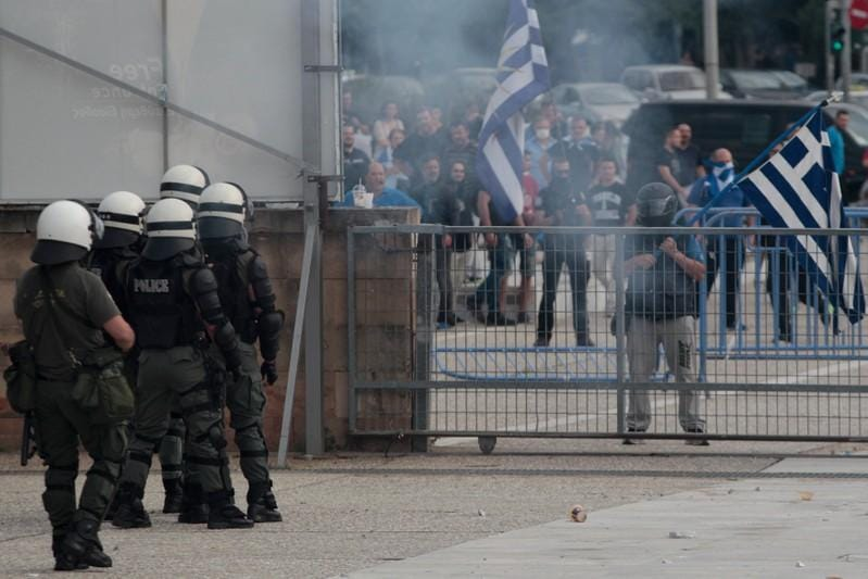 Greeks clash with police over Macedonia name deal