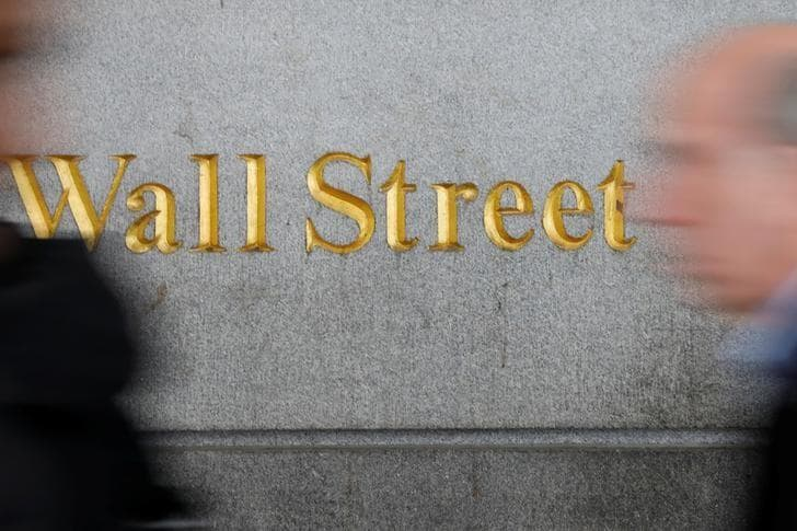 Wall Street pummeled by escalating trade threats