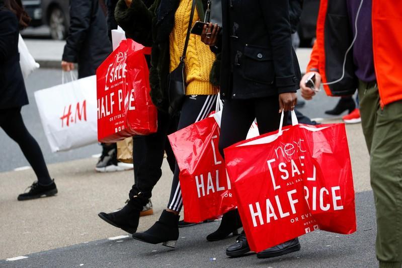 UK shoppers slash spending in May - BRC