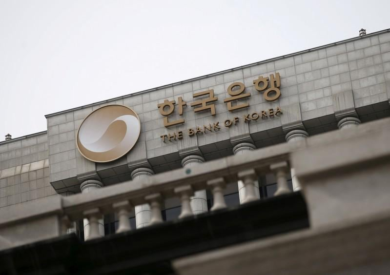 South Korea posts current account deficit in April, first gap in seven years
