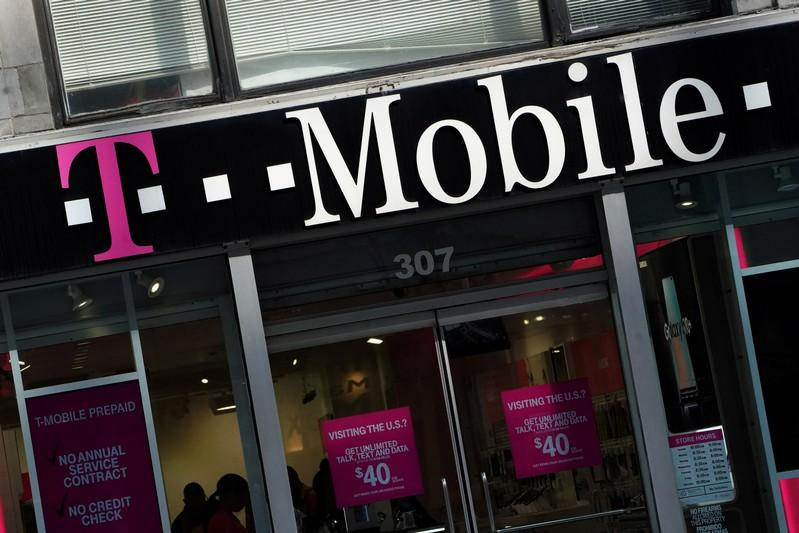 Dish execs met with DOJ, FCC on T-Mobile, Sprint merger
