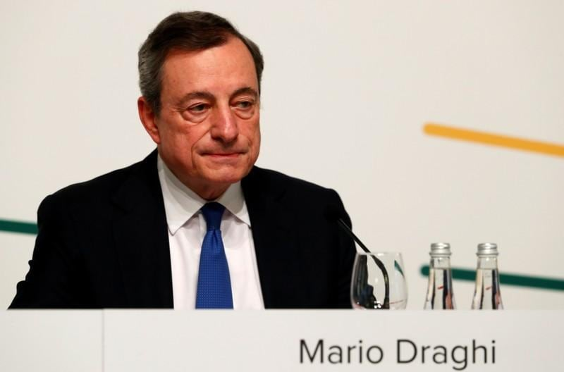 Draghis stimulus hints put ECB in Trumps crosshairs