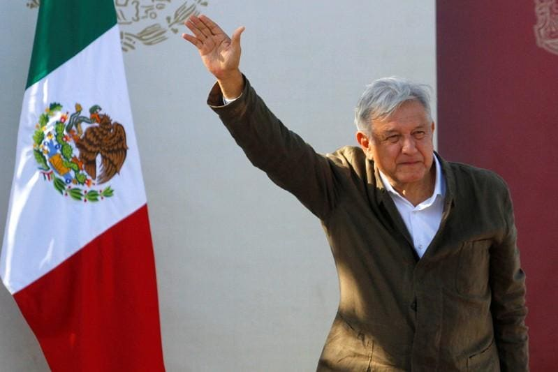 Mexican president pitches universal internet in chat with Facebooks Zuckerberg