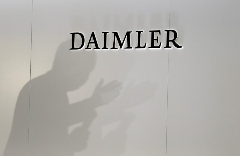Daimler cuts 2019 profit outlook on diesel issues