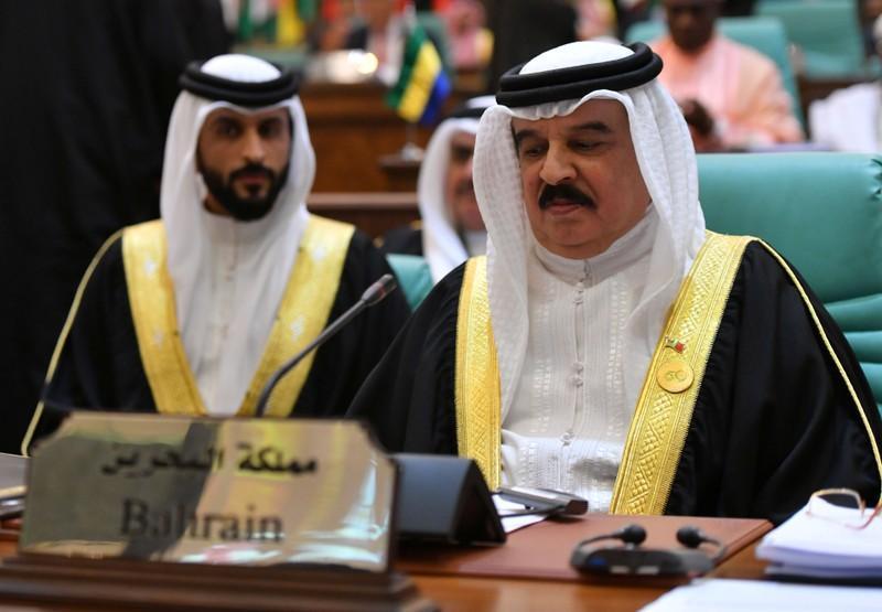 Bahrains king meets Kushner at Middle East peace workshop