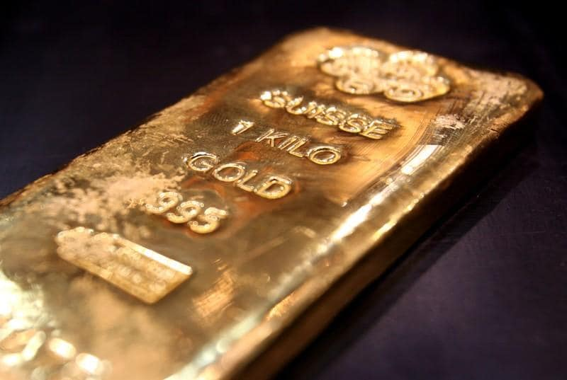 Gold drops as bets fade for big Fed rate cut fade; eyes on trade talks