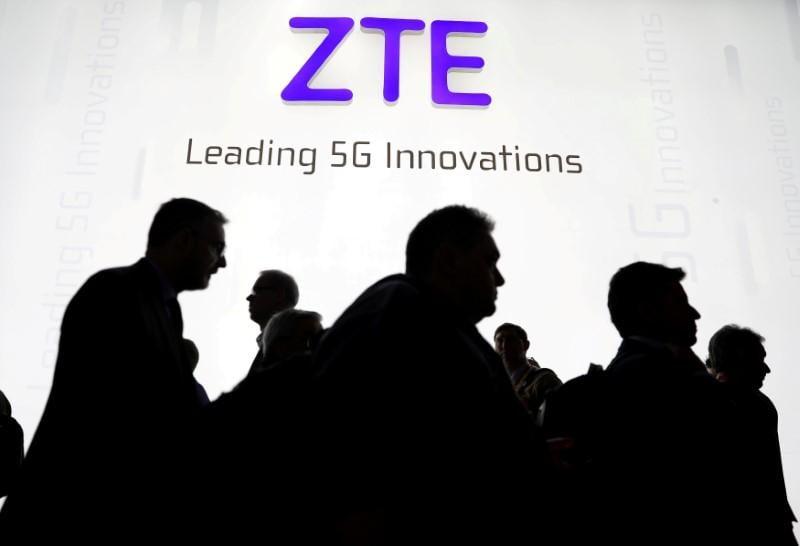 U.S. senators want ban on China's ZTE, despite Trump action