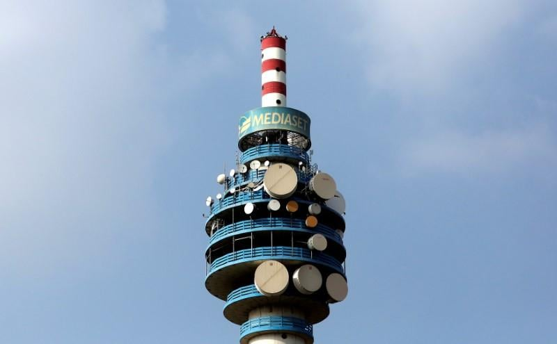 Italy's Mediaset and F2i bid for EI Towers, may spur more tie-ups