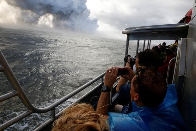 Hawaii tour boats return to volcano zone after 'lava bomb'