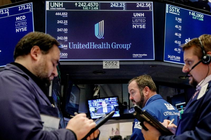 Unitedhealth Group INC (UNH) Stake Held by Castleark Management Llc