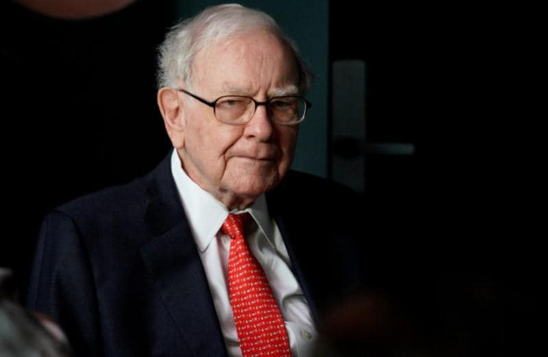 Buffetts Berkshire Hathaway loosens policy on stock buybacks
