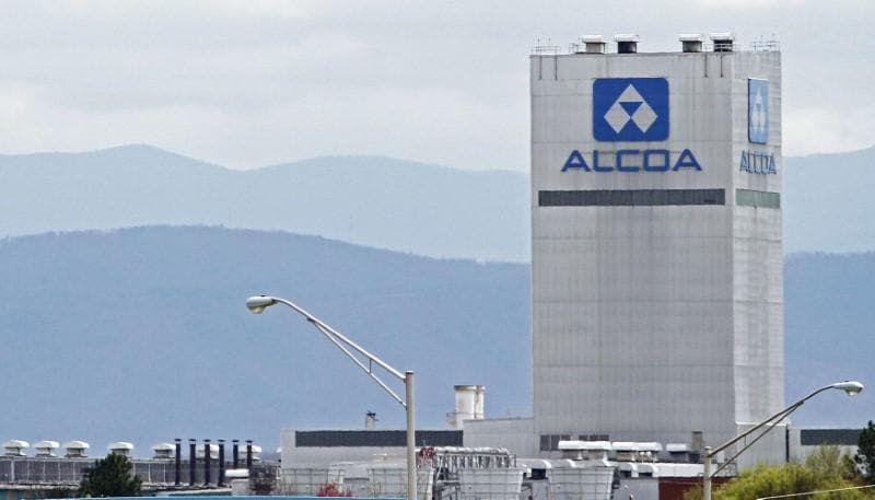 Alcoa shares fall as tariffs, energy costs weigh on forecast