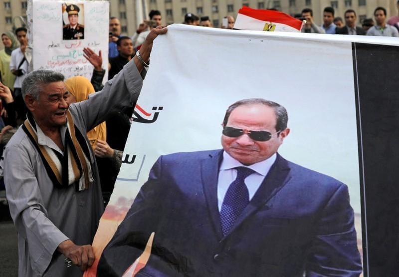 Egypt's Sisi says false rumours main threat to Arab countries