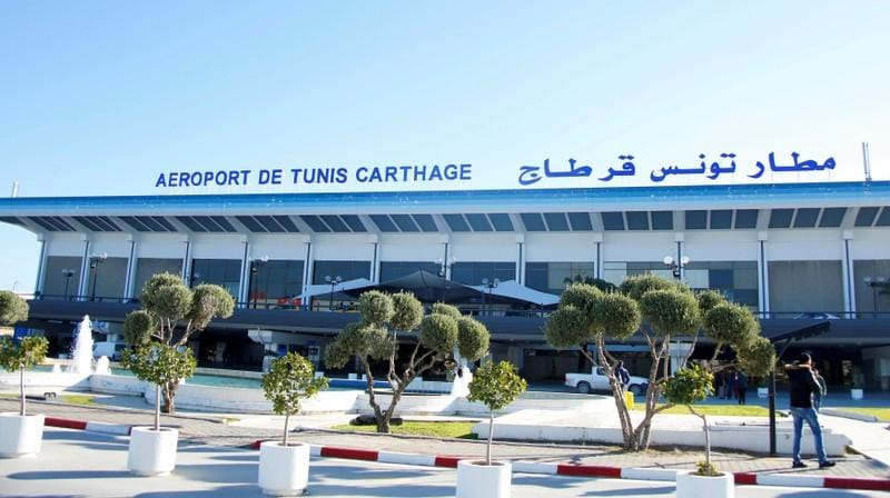 Tunisian airport workers call off strike