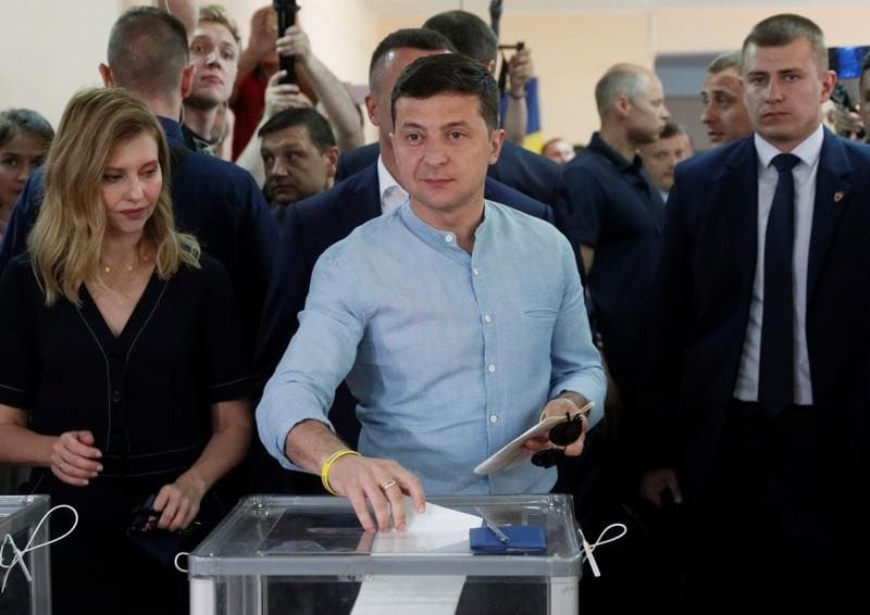 Ukraine presidents party leads in parliament election: exit poll