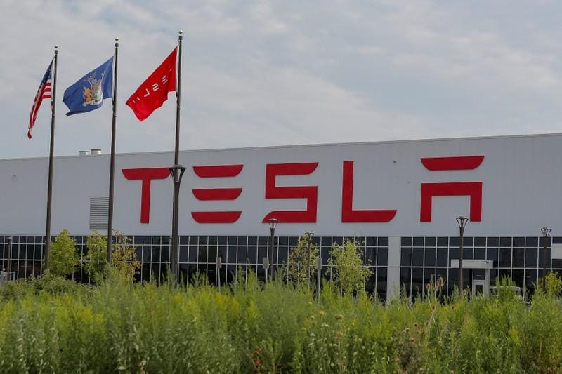 Analysis: Investors query funding costs at a private Tesla