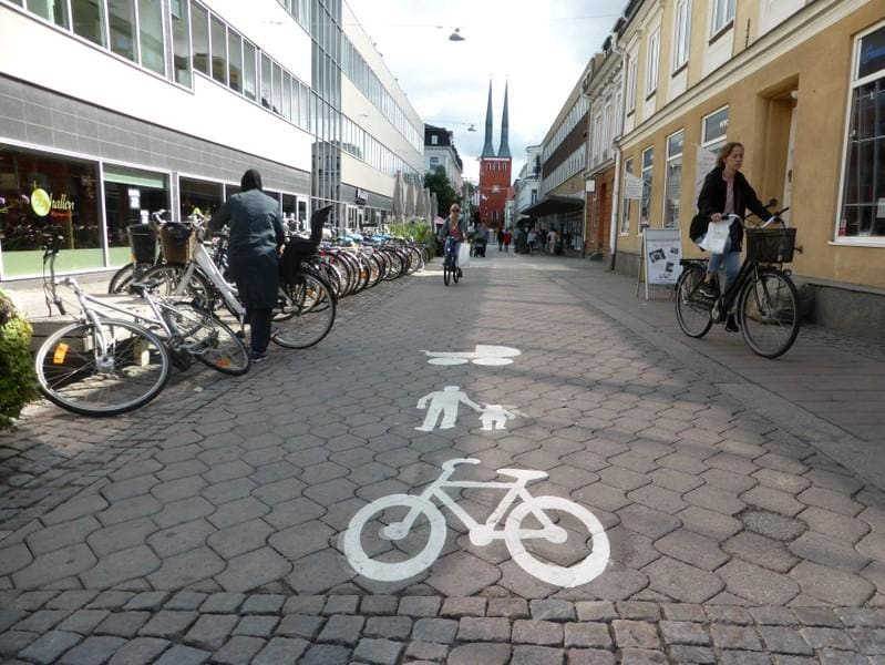 Insight: Imitate Vaxjo? As heat rises, Swedish city goes green - and thrives