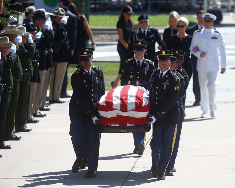 Memorial tributes to Senator John McCain open in Arizona Capitol