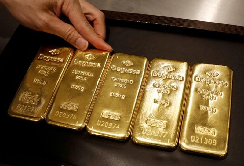 Gold jumps 1 on recession fears silver breaches 18oz mark