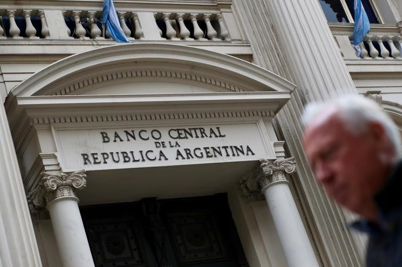 Argentina central banker resigns as IMF talks near conclusion