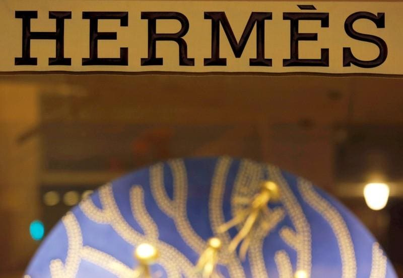 Versace sale turns up heat on fashion's independent outliers