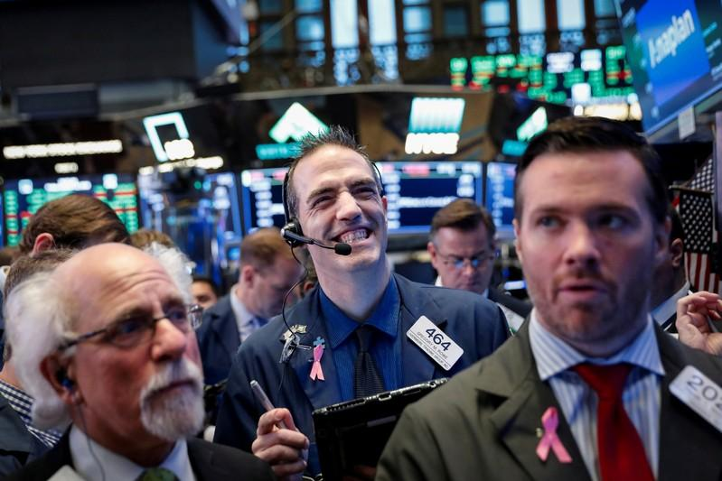 Wall Street rallies back with earnings boost