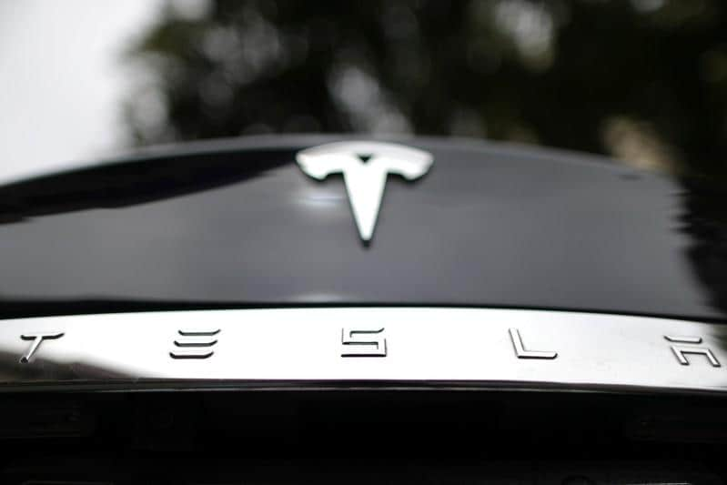 Tesla slips to near bottom in Consumer Reports reliability survey